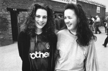 The amazing pics of football fans in the early 90s