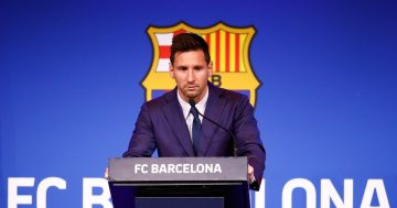 Lionel Messi completes PSG transfer following Barcelona exit